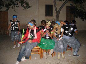 Grupo personas disfrazadas